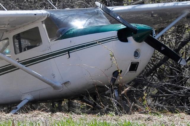 Un homme qui a pris son avion et a roulé jusqu'au bistrot du coin pour y boire... (Photo archives PC)