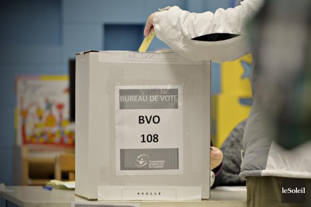 Le taux de participation anémique au scrutin de... (Le Soleil, Pascal Ratthé)