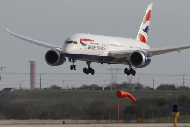 Un avion de ligne de la British Airways a été obligé de dévier de sa... (Archives AP)