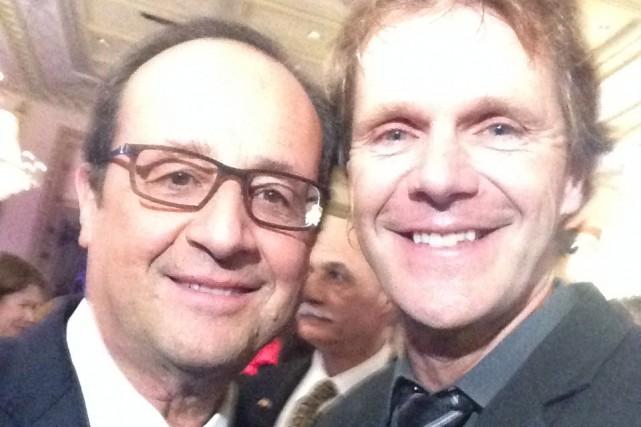 Pierre Lavoie pose ici en compagnie du président... (Courtoisie)