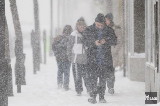 L'arrivée des jours froids gèle souvent le budget... (PHOTO EDOUARD PLANTE-FRÉCHETTE, ARCHIVES LA PRESSE)