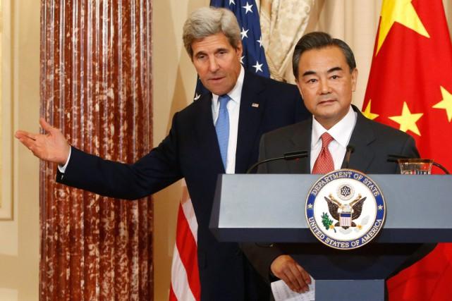 Le secrétaire d'État américain Jonh Kerry et son... (PHOTO JONATHAN ERNST, ARCHIVES REUTERS)