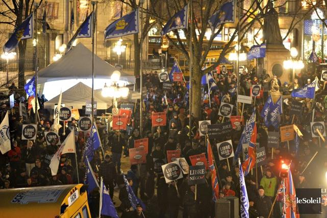 Manifestation du 3 novembre... (Photothèque Le Soleil, Pascal Ratthé)