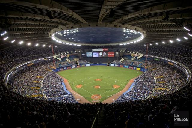 Plus de 96 000 personnes avaient assisté aux... (Photo Robert Skinner, archives La Presse)