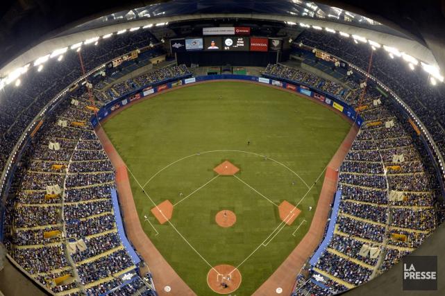 Plus de 96 000 personnes avaient assisté aux... (Photo Bernard Brault, archives La Presse)