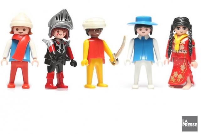 Les figurines Playmobil fêtent leur 40e anniversaire cette... (Photomontage La Presse)
