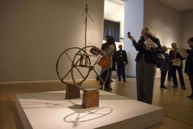 Une sculpture du Suisse Alberto Giacometti de 1950 s'est vendue mardi soir près... (Photo: Reuters)