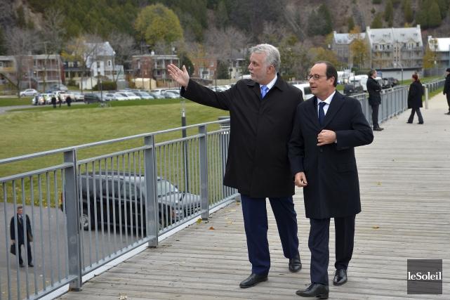 François Hollande et Philippe Couillard à Québec, mardi... (Le Soleil, Yan Doublet)