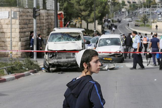 Depuis le début octobre, les violences ont fait... (PHOTO AMMAR AWAD, archives REUTERS)