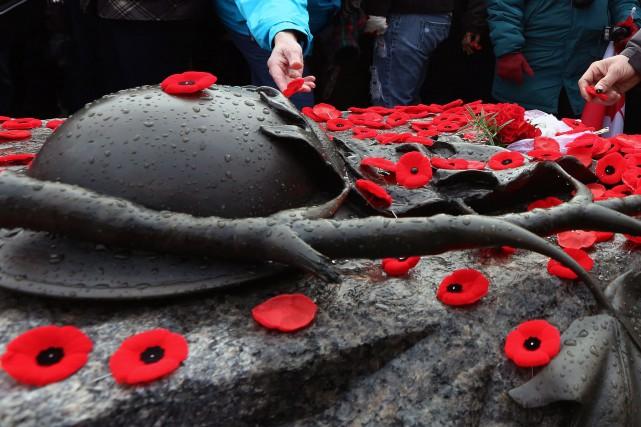 La Ville d'Ottawa a rendu hommage à ses anciens combattants, hier soir, dans le... (ARCHIVES, La Presse Canadienne)