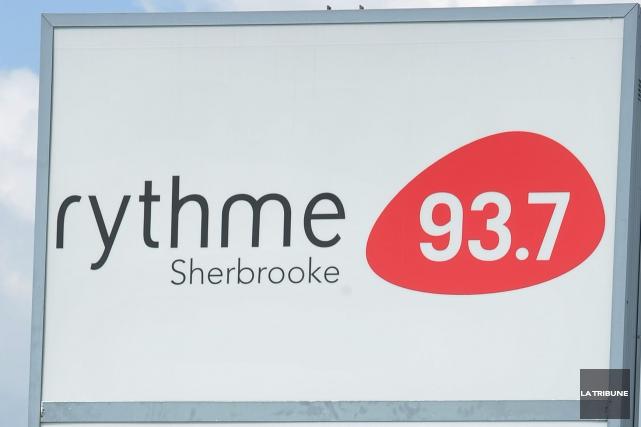Les stations de radio Rythme FM et 107,7 Estrie mèneront une offensive de... (Archives La Tribune)