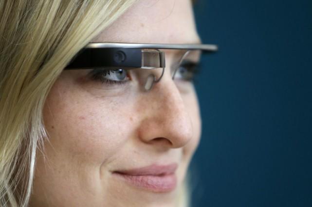 Certaines montures de lunettes traditionnelles peuvent créer des... (Photo David W Cerny, ARCHIVES REUTERS)