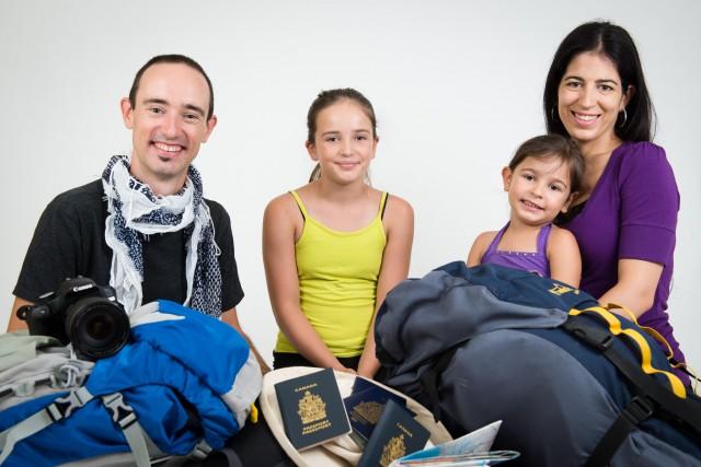 Yan Bellerose, Angèle Vermette et leurs deux filles... (Photo fournie, Martin Gousse)