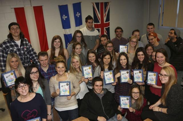 Les étudiants des techniques administratives faisant partie de... (photo Alain Dion)
