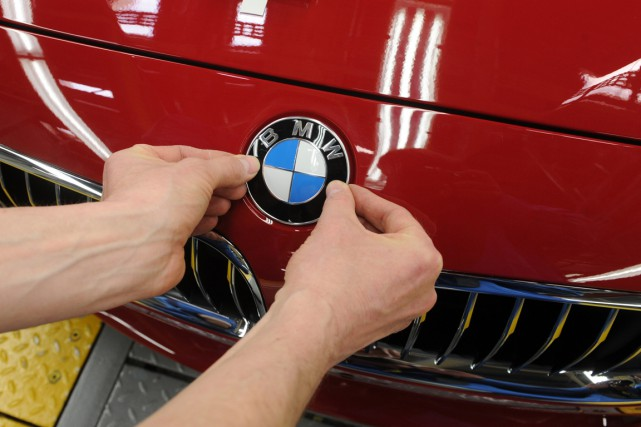 BMW a vu ses ventes bondir de 11%... (Photo Christof Stache, archives AFP)