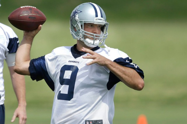 Le quart des Cowboys de Dallas, Tony Romo,... (Photo LM Otero, archives AP)
