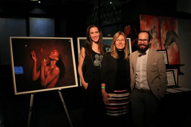 De gauche à droite : Cara Carmina, artiste...