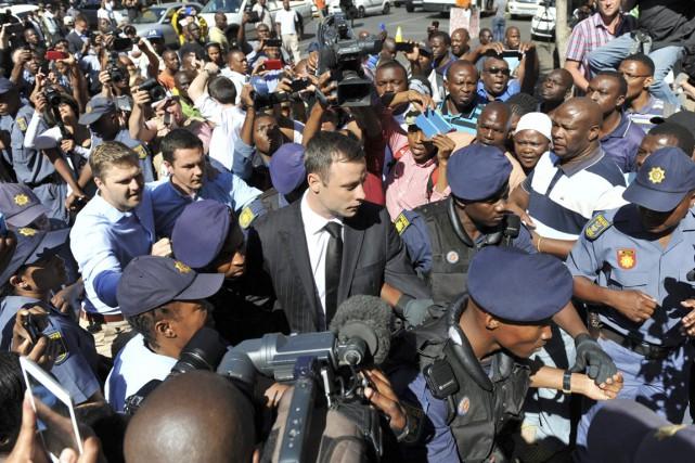 Oscar Pistorius, 27 ans, a abattu son amie... (PHOTO ANTOINE DE RAS, ARCHIVES AP)