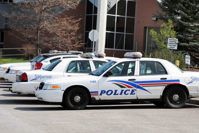 Une perquisition dans un véhicule survenue vendredi soir sur la rue John-Kane à... ((Archives))