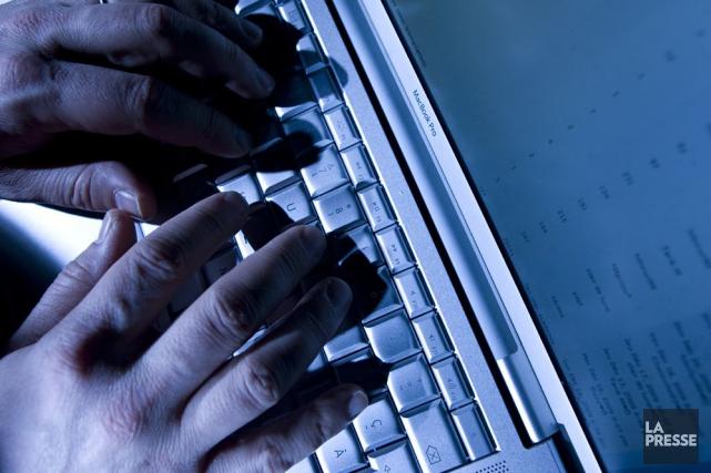 Un groupe de pirates informatiques opérant sous le nom d'Armée électronique... (PHOTO DAVID BOILY, ARCHIVES LA PRESSE)