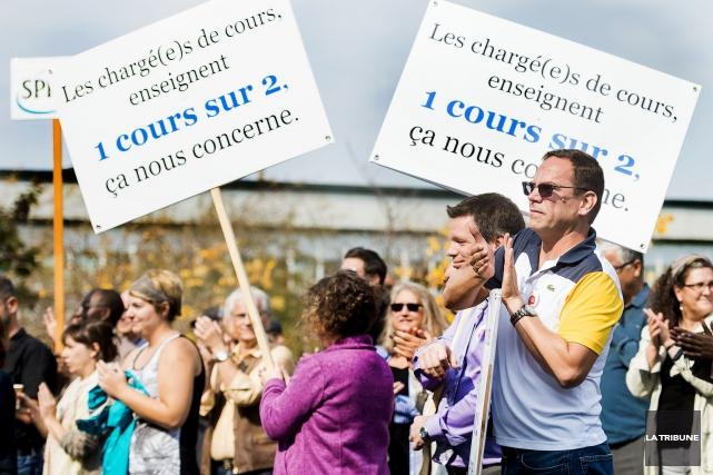 La menace d'une grève des chargés de cours se raffermit à l'Université de... (Archives La Tribune, Jocelyn Riendeau)