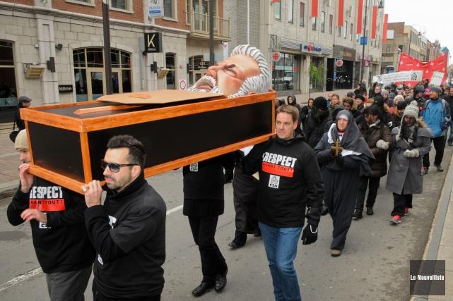 Les syndiqués CSN du secteur public manifestaient vendredi,... (Photo: François Gervais, Le Nouvelliste)