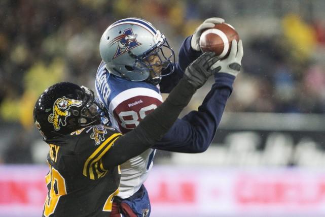 Les Alouettes de Montréal se sont compliqué la tâche en encaissant un revers de... (Photo Peter Power, La Presse canadienne)