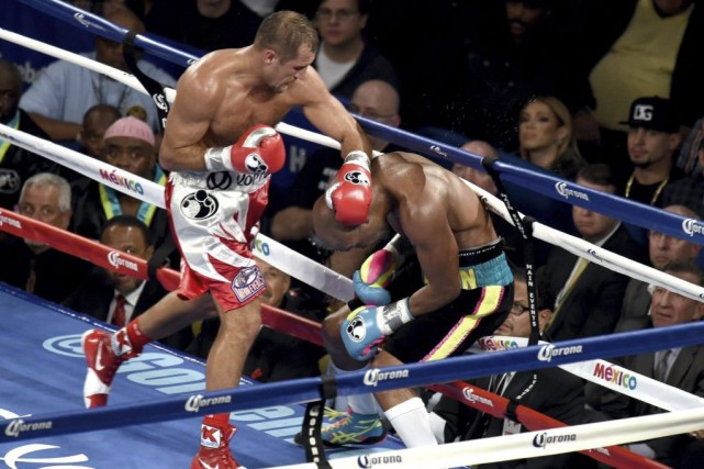 Sergey Kovalev a pratiquement offert une performance sans... (PHOTO DON EMMERT, AFP)