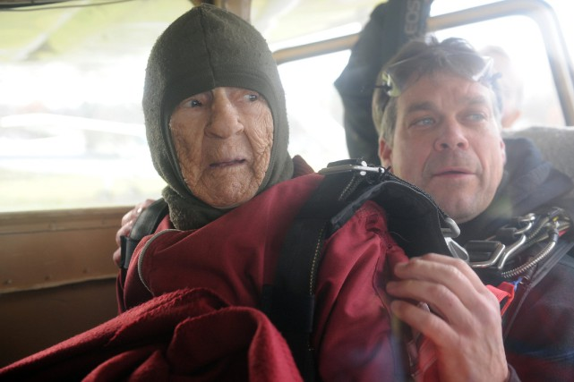 La centenaire avait reçu l'approbation de son médecin.... (Photo Michael P. Farrell, AP)