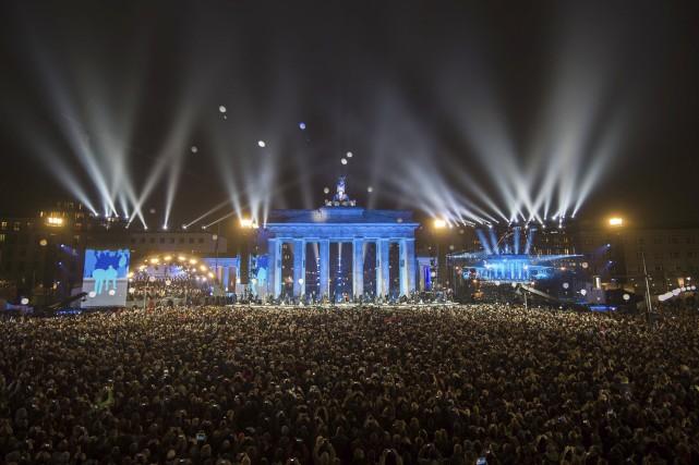 Dimanche, des dizaines de milliers de personnes ont... (AFP)