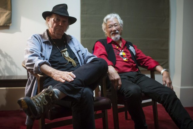 Neil Young et David Suzuki... (PHOTO DARRYL DYCK, LA PRESSE CANADIENNE)