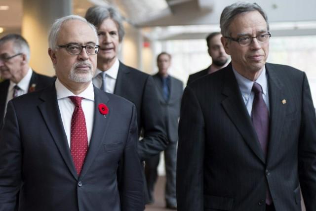 Le ministre fédéral des Finances, Joe Oliver (à... (La Presse Canadienne, Paul Chiasson)