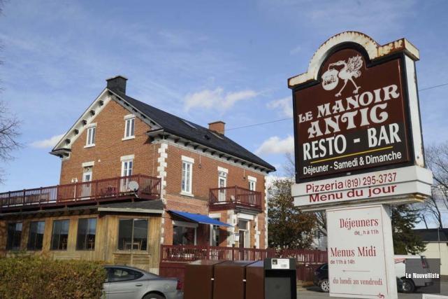 Le resto-pub Manoir Antic, à Champlain, où trois... (Photo: Sylvain Mayer, Le Nouvelliste)