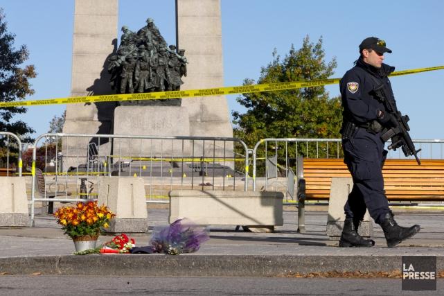Le Service de police d'Ottawa estime à 250... (Photo Alain Roberge, Archives La Presse)