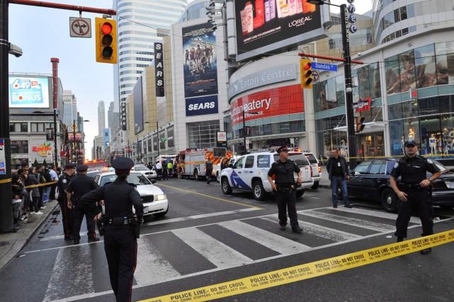 Après avoir tué deux personnes par balle au Centre Eaton de Toronto,... (Photo Victor Biro, Archives PC)