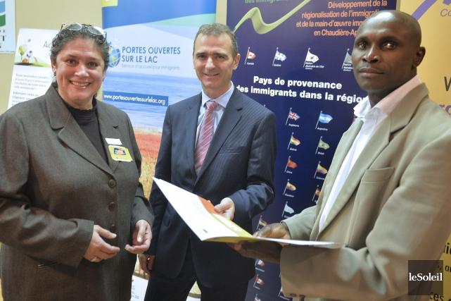 Eva Lopez, directrice générale de l'organisme Intégration communautaire... (Le Soleil, Pascal Ratthé)