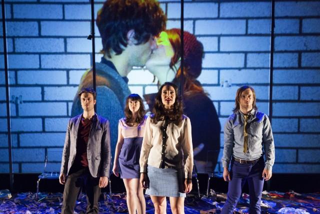 Facebook fait son entrée au théâtre à travers la pièce Cinq visages pour... (Archives)