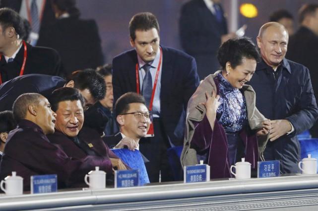 Ce geste «galant» de Vladimir Poutine n'a pas... (PHOTO AP)