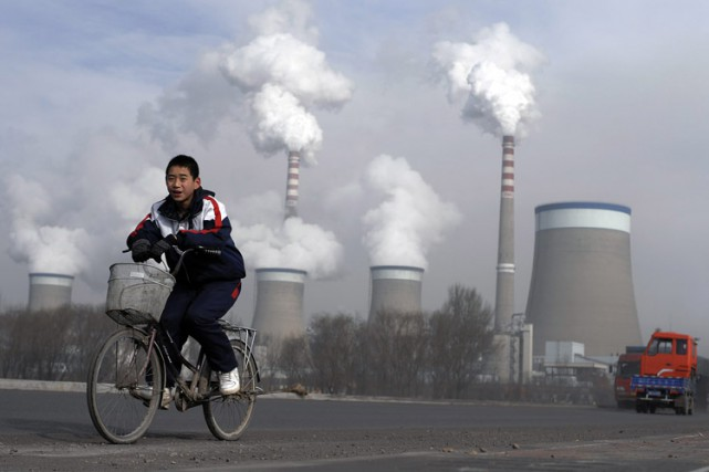 La Chine est le premier émetteur mondial de gaz... (PHOTO ANDY WONG, ARCHIVES AP)