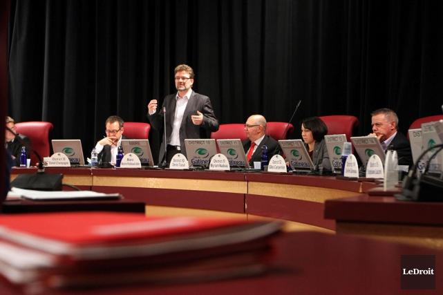 Au deuxième jour des discussions budgétaires, les élus... (Étienne Ranger, archives LeDroit)