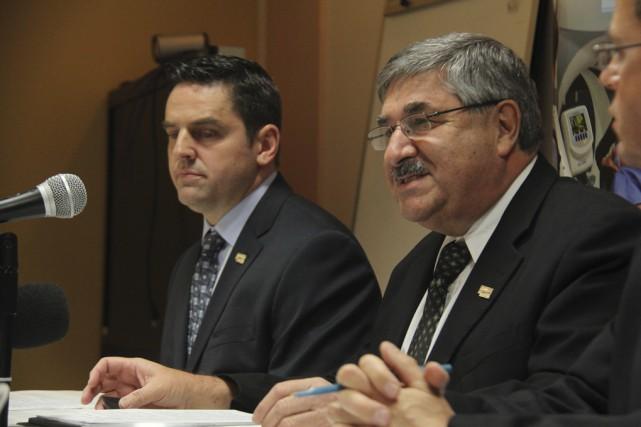 Le directeur général du CSSSHY, Rémi Brassard, et... (photo Janick Marois)