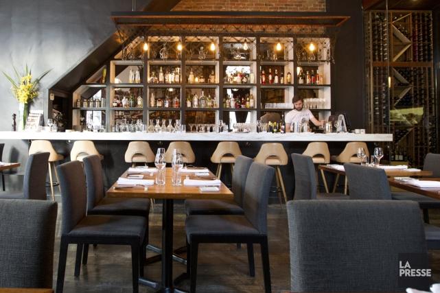 Le restaurant Les 400 Coups demeure l'une des... (PHOTO OLIVIER JEAN, LA PRESSE)