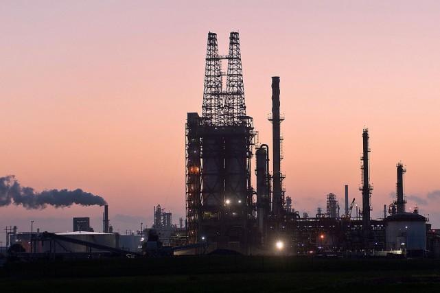 Les cours du baril de pétrole brut ont baissé vendredi à New York, alors que le... (Photo Eddie Seal, Archives Bloomberg)