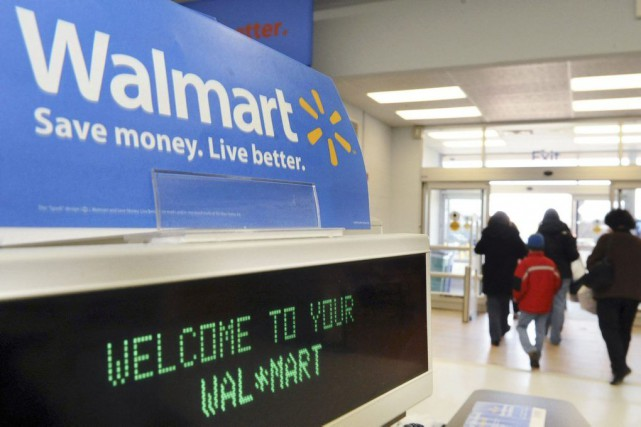 En augmentant ses salaires, Walmart ne fait pas... (Photo Lisa Poole, archives AP)