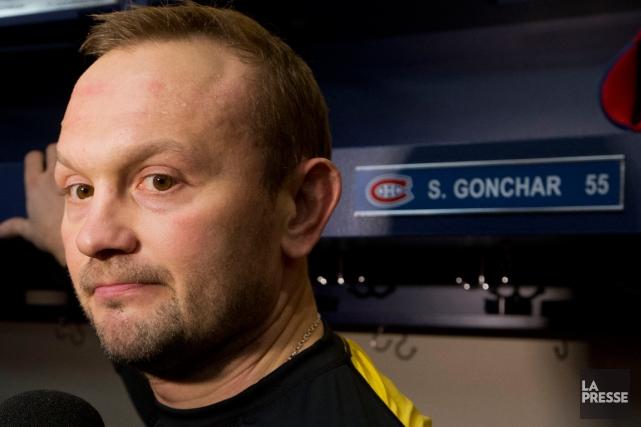 Le défenseur Sergei Gonchar a répondu aux questions... (Photo Ivanoh Demers, La Presse)