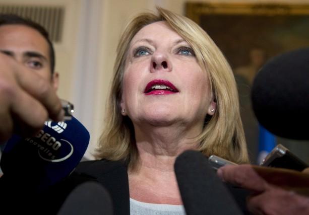Christine St-Pierreestime que Jean-Claude Lauzona un profil économique... (Photo archives La Presse Canadienne)