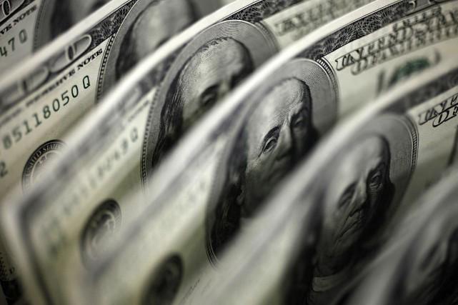 Le déficits'est établi à 122 milliards de dollars... (Photo Archives Reuters)