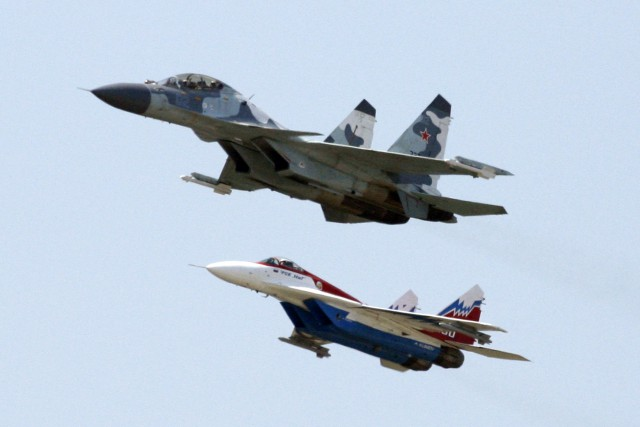 Des avions militaires russes... (Photo SERGEI KARPUKHIN, Archives Reuters)