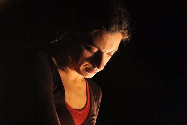 Voici comment Vicky Côté prête vie au personnage... ((Photo Patrick Simard))