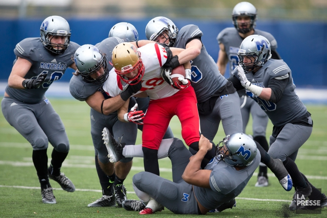 Les Carabins ont battu le Rouge et Or... (Photo Robert Skinner, La Presse)
